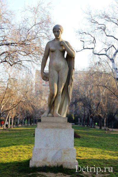 Скульптура Богиня