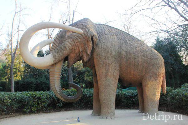 Скульптура мамонта