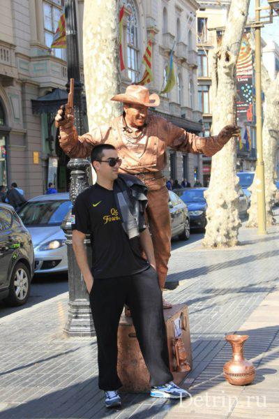 живые статуи барселона
