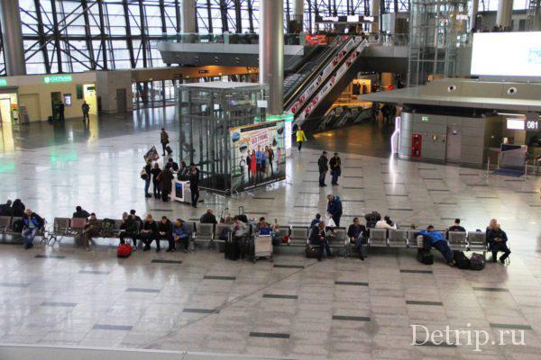 аэропорт в ожидании полета