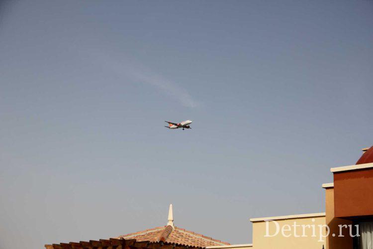 Самолеты над курортом