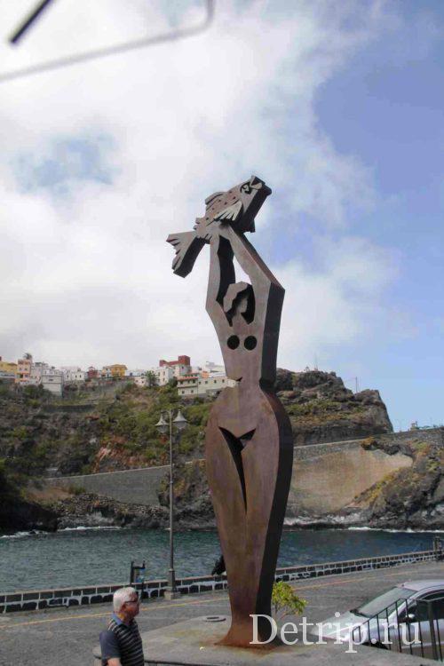 памятник рыбачке