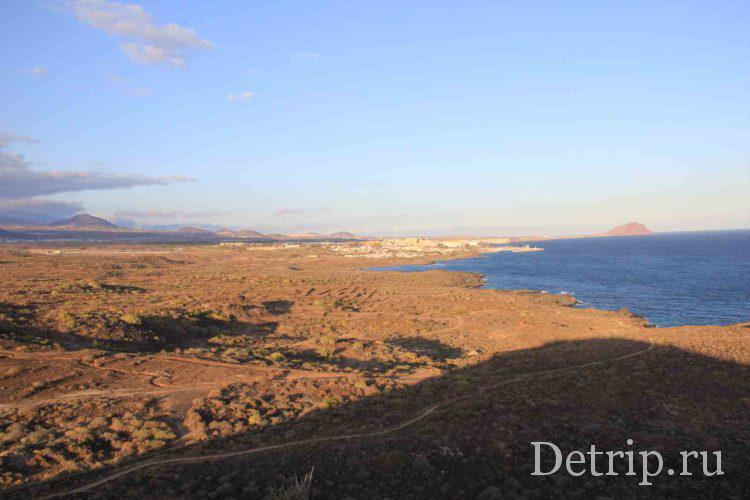 Вид с Желтой горы на Красную гору